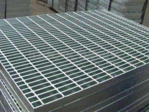 Supplier Besi Penutup Saluran Air Steel Grating Tahan Karat Dan Kuat Bisa Pesan Sesuai Ukuran